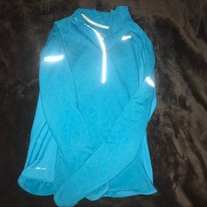 Nike woman's running pullover